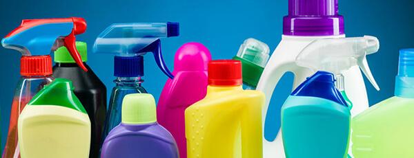 Makinat për mbushjen e produkteve për pastrim shtëpiak